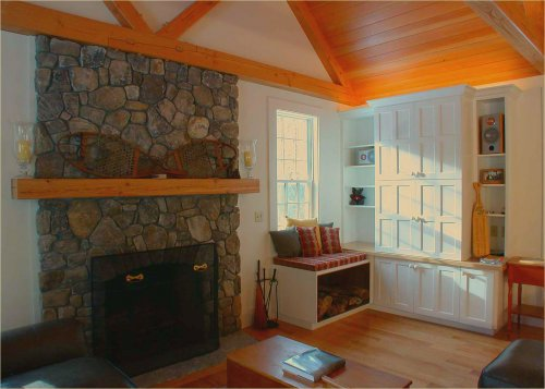 Custom built-ins allow keep your home organized and look good doing it!