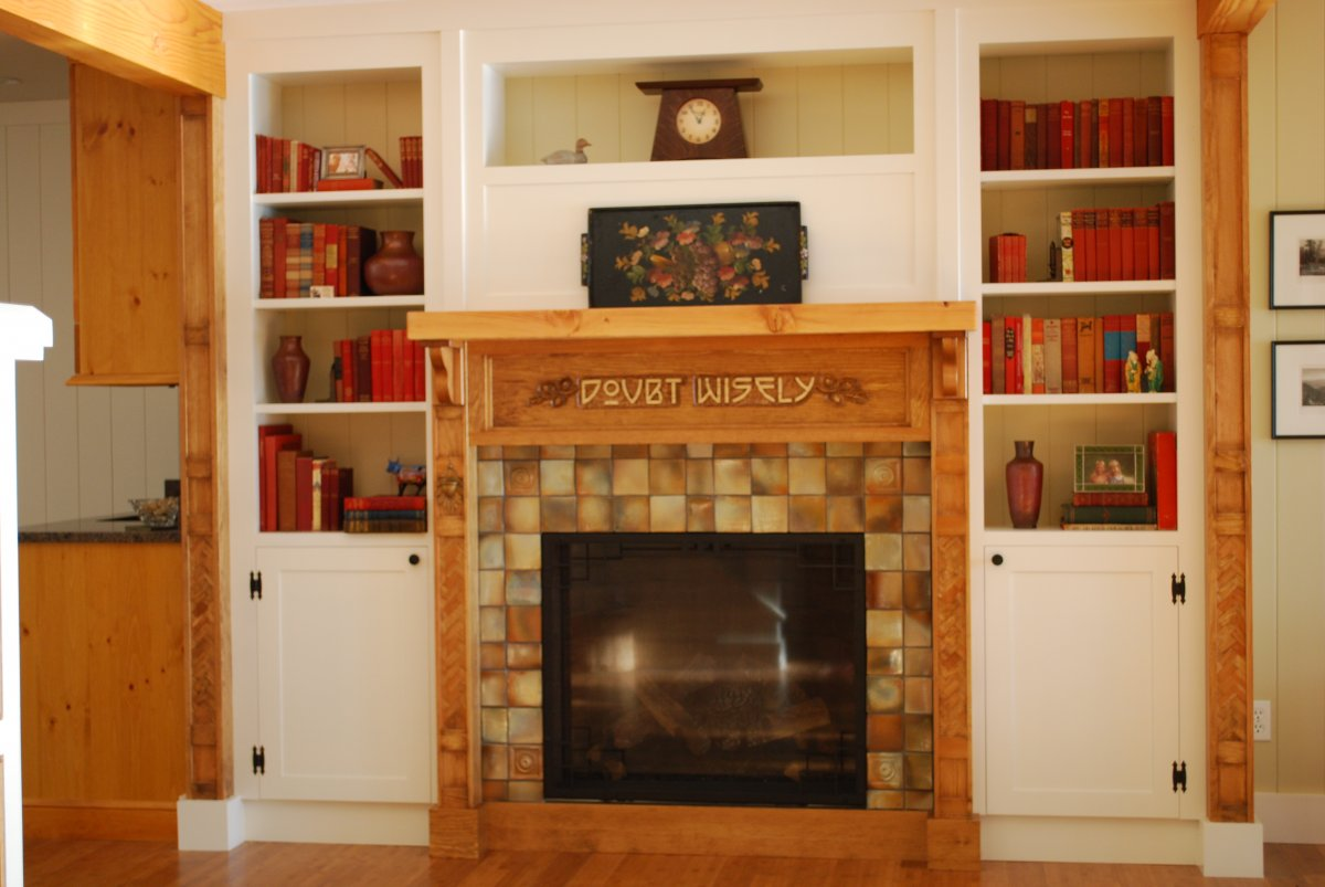 Holiday Decorating Tips for Your Fireplace Mantel