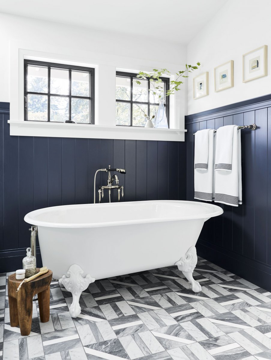 Bathroom remodeling trends:  Wainscoting